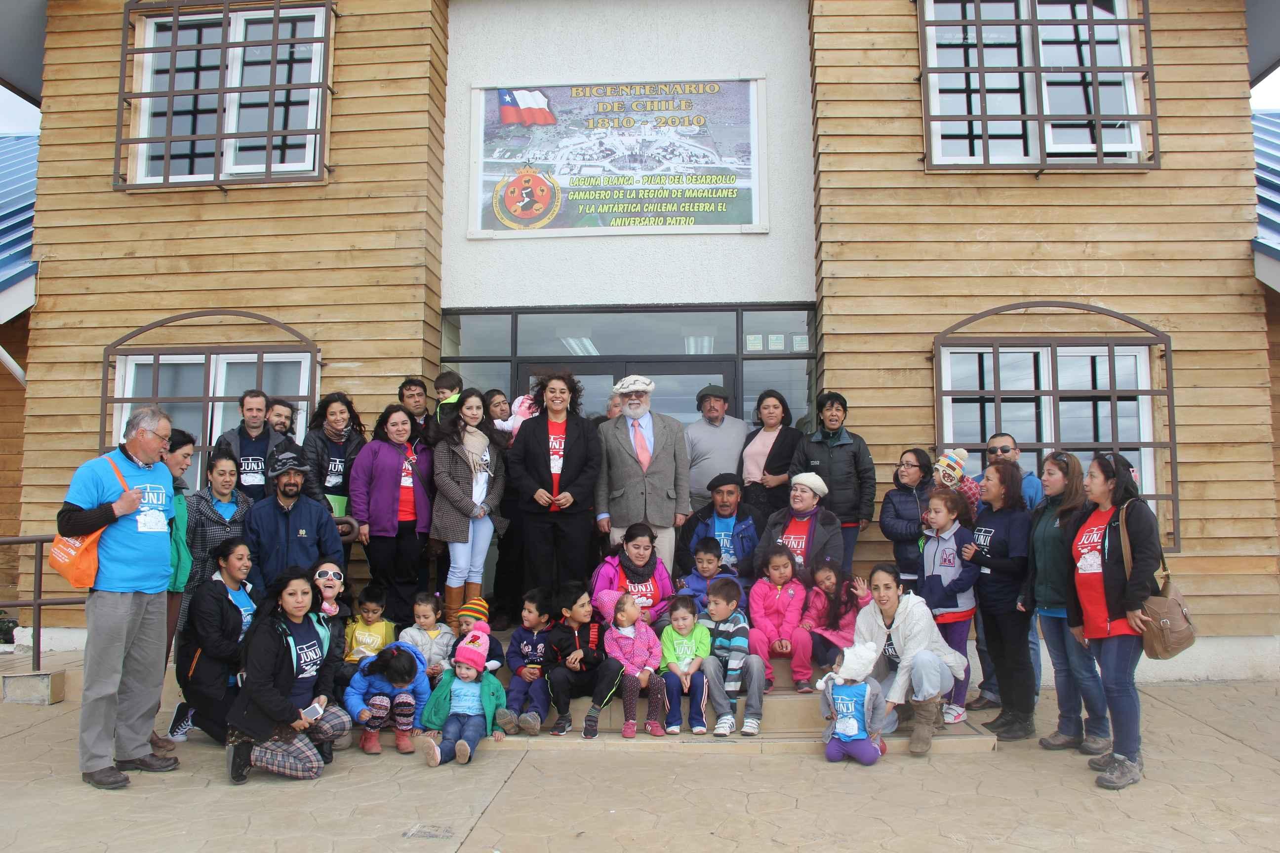 Familias de distintas zonas rurales de magallanes for Jardin villa austral punta arenas